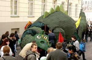 Dinas Zauras (2008)